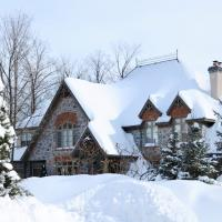 Buying or selling a property over the holidays? Follow those tips.